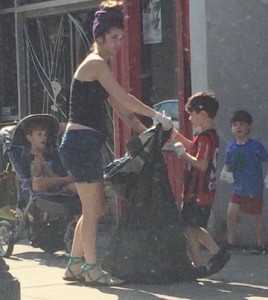 Mom and kids clean up in atlanta